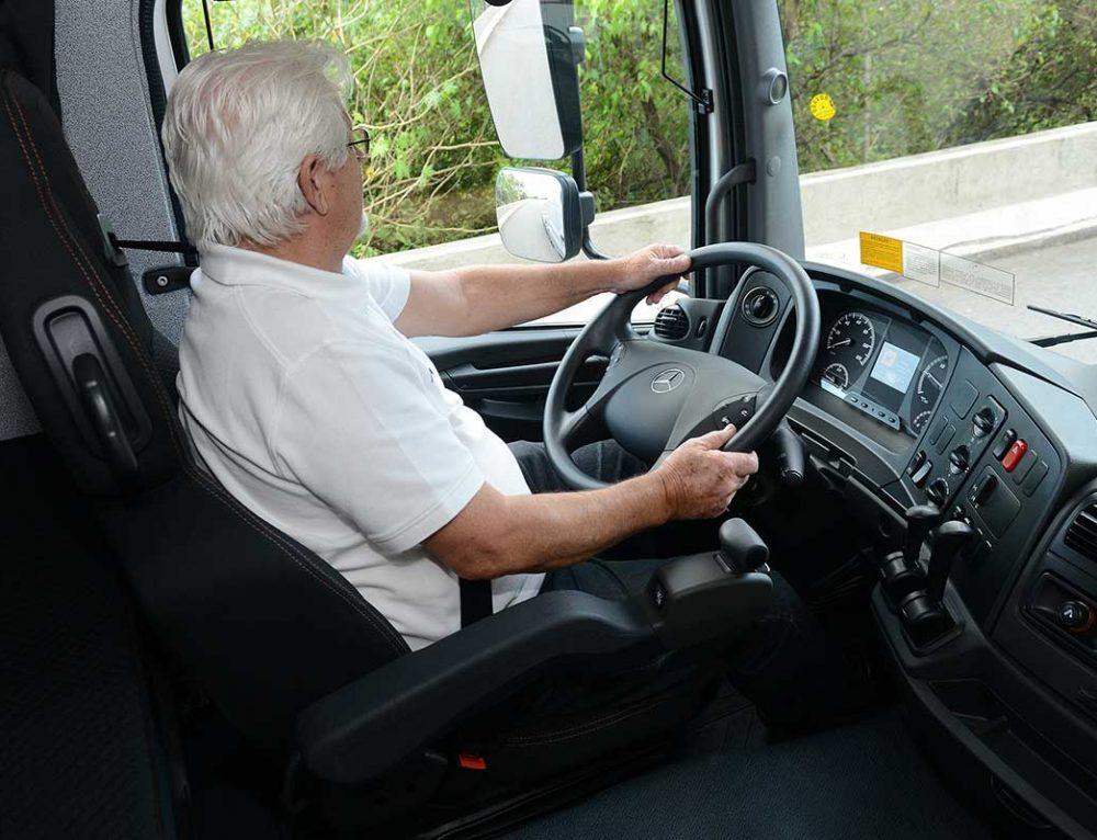A Voz das Estradas agora no Consórcio Mercedes-Benz